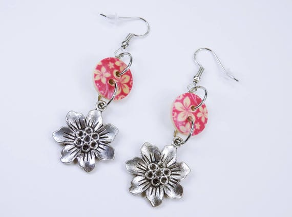 Earrings flower and buttons with flowers in pink beige on silvery earrings wooden pendant earrings summer earrings pink pink flowers