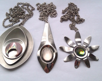3 stainless steel deco pendant necklaces