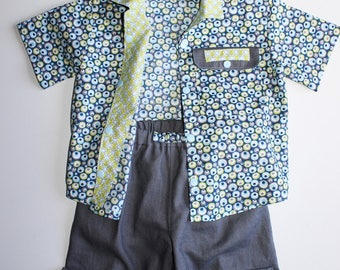 Boys trendy 2 piece shirt and shorts set.  Size 3/4 years