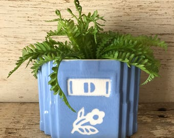 Harker cameoware blue floral drippings jar