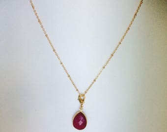 Ruby necklace - elegance and sophistication to a delicate and feminine style - one has give