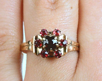 Antique 10K Gold .46CTTW Old Mine Cut Garnet & Lab Created Ruby Floral Cluster Ring