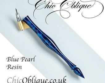 Oblique Pen Holder, Blue Resin