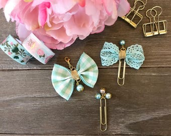 Pale Green Gingham with Gold Bow Planner Clip TN Charm