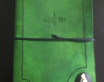 A5 Leather Journal: Green stitched