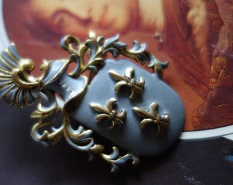 Vintagebrosche-Lily Bunch-Knight brooch-Vintageschmuck for theme party or Burgfest