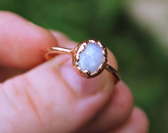 Rainbow Moonstone Ring, Moonstone Jewelry, Natural Moonstone Boho Ring, Copper Ring, Dainty Ring, Oval Moonstone Ring, Electroformed Ring