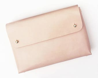 Personalised folded handmade leather pouch - MONA - Natural