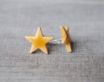 Star Stud Earrings ceramic honey 2.7 cm