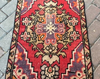 Great Colors!!! 52x85 cm . 1'9x2'9 feet,Oushak Rug ,Turkish Rug,Vintage Rug ,Pale Red and Purple Color,İnterior Rug,Antique,Door Mat,Rug,Fas