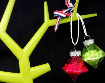 Red & greenglass bauble, snowglobe bauble, snow filled bauble,  Christmas bauble, green bauble, glass baubles, snow filled bauble,