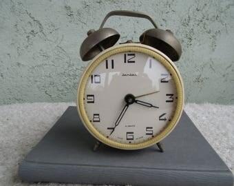 JANTAR 4 Jewels Clock vintage. Alarm clock. Vintage Russian alarm clock  Working vintage clock, vintage mechanical alarm clock,USSR