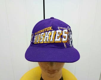 Rare Vintage Sport Specialities WASHINGTON HUSKIES Big Logo Cap Hat Free Size Fit All