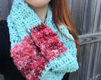 Chunky, Soft Handspun Yarn Cowl, Crochet Outlander Inspired Scarf, Colorful Fall Accessories, Mint / Red