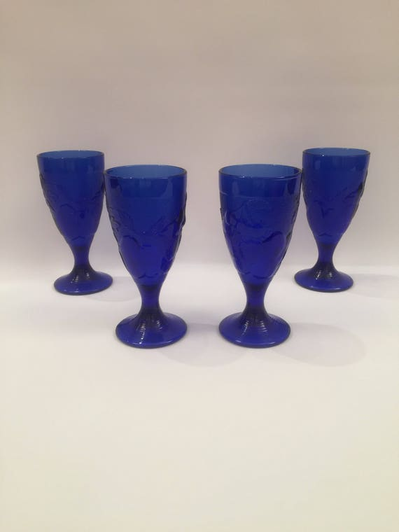 Set of 4 Handmade art glass Goblets with texture