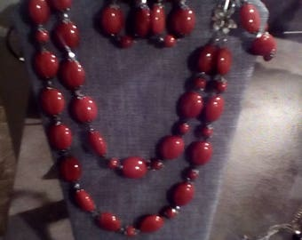 Red double strand necklace set with bracelet