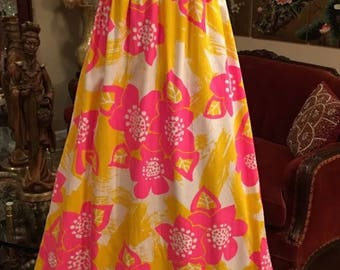 Vintage bright pink and yellow floral Hawaiian dress small 34 36 bust