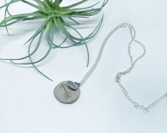 Diffuser necklace. Pendant. Oil diffuser. Natural clay. Gift. Arrow.
