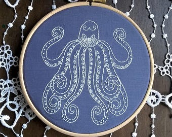 "Embroidery KIT - Embroidery pattern - embroidery hoop art - ""Octopus"" - Traditional embroidery kit"