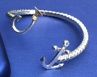 Hook Anchor Bypass Bracelet