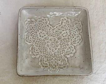 White heart plate