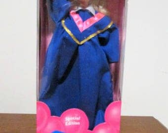 Barbie Class of 1996 Graduation Barbie Special Edition by Mattel #15585