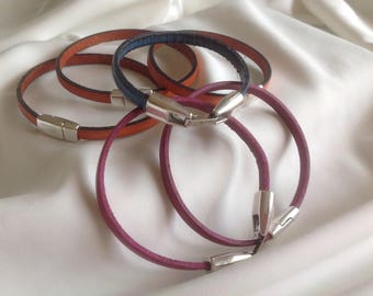 Bracelets very beautiful leather of different colors