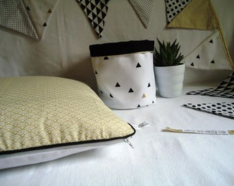 """Cover cushion 35 x 35 cm, """"Golden Japanese waves"""", black or Gold piping, sophisticated home decor"""