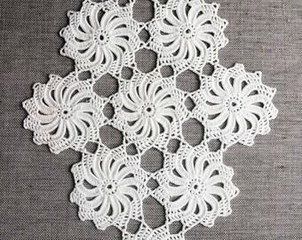 Vintage Crochet Doily, handmade white cotton doily, vintage doilies, vintage lace, spiral doily, motif crochet