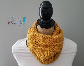 Knitted Textured Cowl