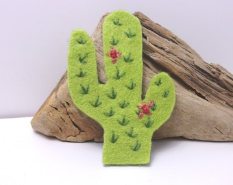 Brooch of cactus