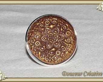 Golden brown ring patterns embossed 102021