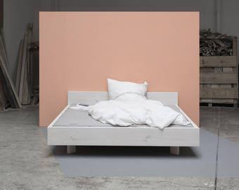 Woodboom | Bed floating, white glazed
