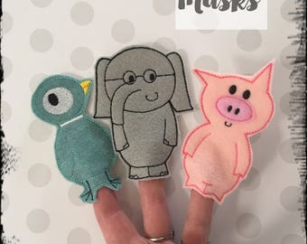 Elephant and Piggie Inspired finger puppets, Elephant Gerald finger puppet, Piggie finger puppet, Animal Finger Puppets, Mo Willems book