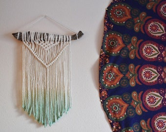 Simple Dip Dye Macrame Wall Hanging
