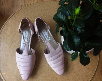 Vintage 1980s Pale Pink Heel Shoes by Laura Gayle 8.5