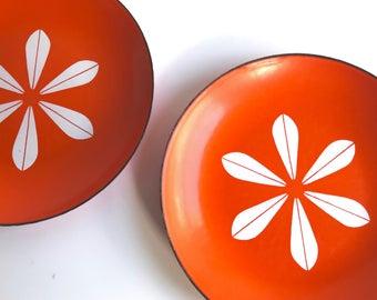 Cathrineholm LOTUS enamel plate, orange / white, Highly collectible Scandinavian design Grete Prytz Kittelsen Norway / mid century modern