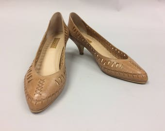 1980's Leather Kitten Heel Pumps Made in Brazil Size 10 Fits like a 9-9.5