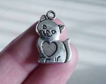 25x Cat Charm, Silver Kitten Charms with Heart, Animal Charms, Retro Charms, Charms for Bracelet, Antique Silver tone Charms