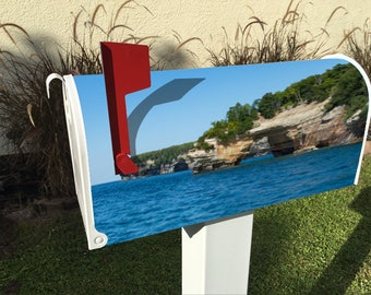 Pictured Rocks Magnetic Mailbox Cover
