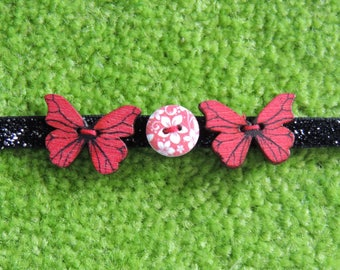 Choker necklace made from buttons nature themed