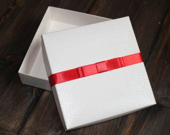 Christmas Gift Box, Luxury gift box, White Gift Box , Wedding Gift Box,  Unique Gift Box, Birthday Box, Satin Ribbon, Thank you gift