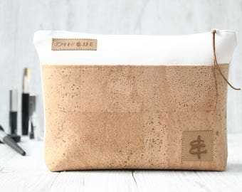 Cosmetic bag CORK-LEATHER // white & sand