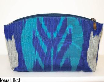 Handmade, handwoven Ikat design clutch.