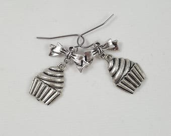 Cupcake and Bow Earrings, Cupcake Earrings, Bow Earrings, Cute Earrings, Cupcake Jewelry