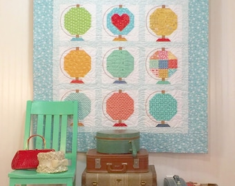 NEW Vintage Life Globe Quilt Kit with Spelling Bee Book Bee Basics by Lori Holt