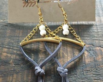 Earrings long earrings, grey, chain, gold, stones.