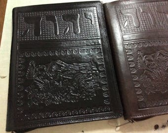 Jehovah's Witnesses. Preaching folder . engraved Leather.for magazines, and tablet With zipper. JW