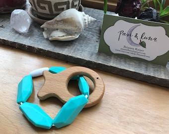 Aqua fish teething bracelet