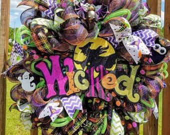 Halloween Mesh Wreath, Front Door Wreath, Halloween Wicked Witch Decor, Halloween Decor, Halloween Door Decor, Wall Wreath, Spooky decor
